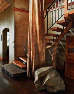 Лестница в стиле кантри из камня и дерева