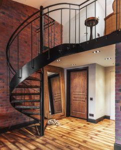 Интерьер с лестницей в стиле лофт