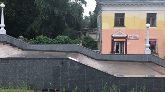 затопленная лестница в брянске