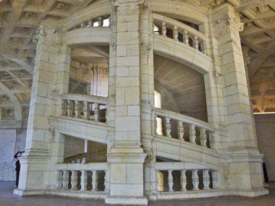 Двухзаходная винтовая лестница