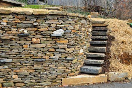 лестница из камней