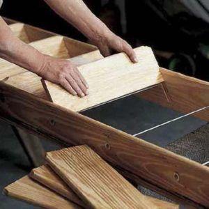 Устанавливаем ступеньки для деревянной лестницы