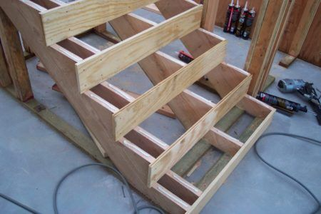 Строим лестницу своими руками